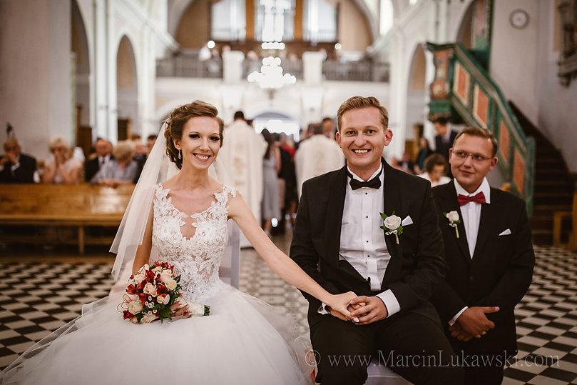 ślub w Parafii Nawiedzenia Najświętszej Maryi Panny, wesele w Elba Bis, przysięga małżeńska, piękny ślub