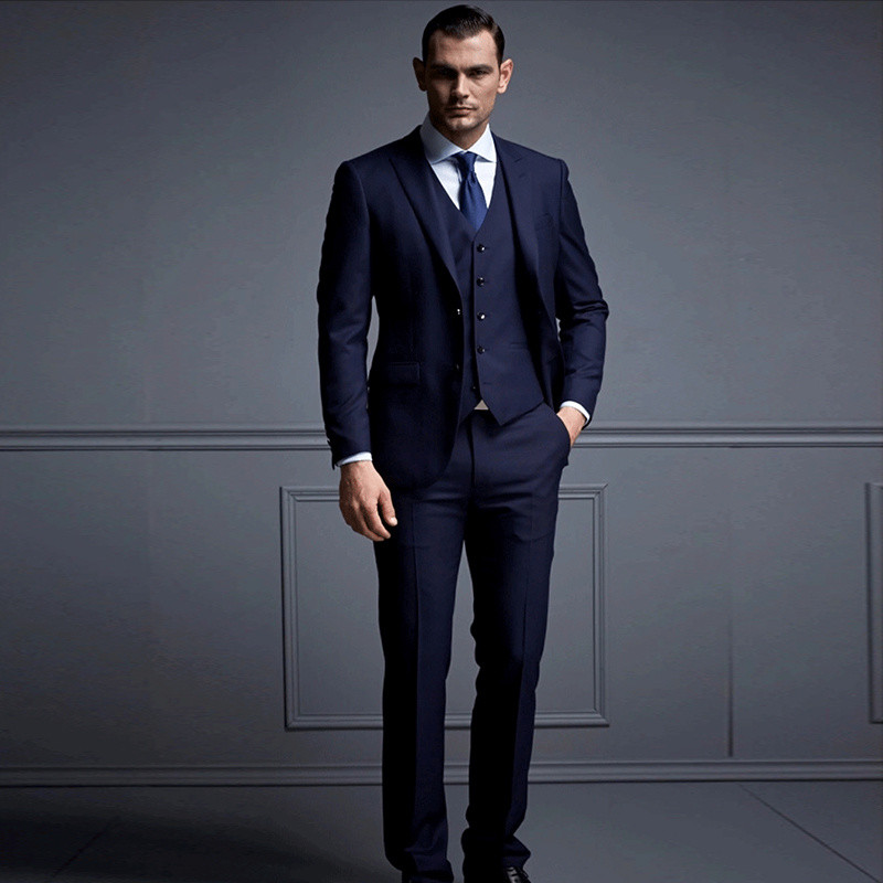 Fashion-Design-Man-Business-Suits-Italia