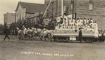 Haines parade 1914.jpg