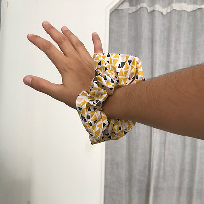 Chouchou en tissus - graphique jaune