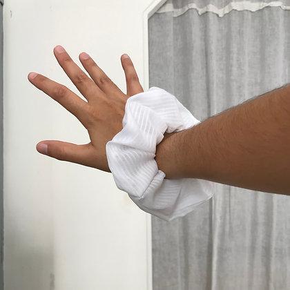 Chouchou en tissus - Récup tissus voile de marié blanc