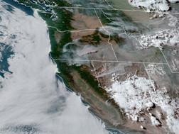 Sóng nhiệt hoành hành miền Tây, cháy rừng lan rộng