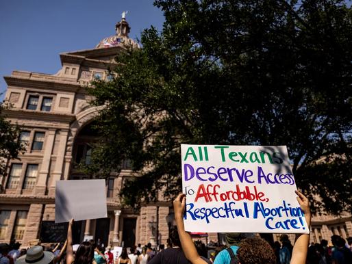 Dân Mỹ phản đối trước đạo luật cấm phá thai hà khắc của Texas, theo khảo sát của NPR
