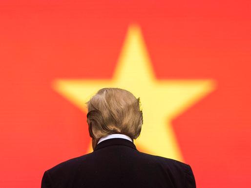 Đòn ly gián của Trump đặt Biden vào tình thế bất lợi tại Việt Nam