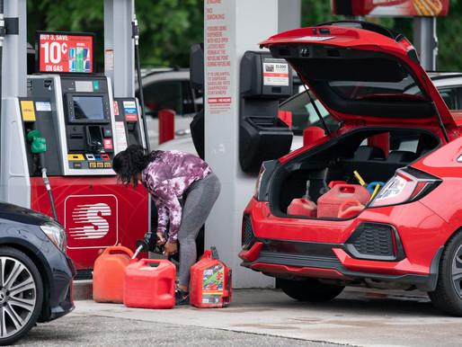 Kiểm chứng: Giá xăng tăng do nhu cầu lớn và nguồn cung giảm, không phải do chính sách Biden