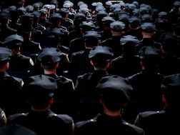 Muốn Trump tái đắc cử? Hãy giải thể lực lượng cảnh sát.