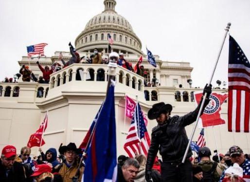 Sĩ Quan Cảnh Sát Người Mỹ Gốc Việt Từ Texas Có Khả Năng Sẽ Bị Buộc Tội Bởi Vì Bạo Loạn Ở Thủ Đô