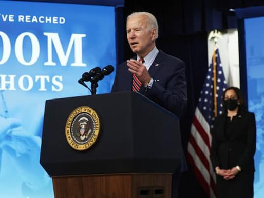 Chính quyền Biden đạt mục tiêu vaccine 100 ngày khi số ca ở Michigan, Mỹ cho thấy dấu hiệu giảm dần