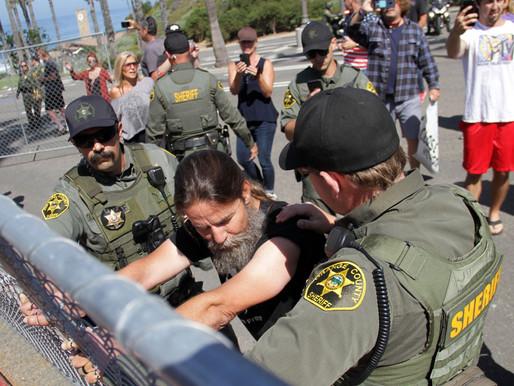 Cận cảnh sự trỗi dậy của chủ nghĩa cánh hữu cực đoan Quận Cam