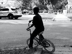 Vấn nạn cảnh sát giết hại trẻ em nhìn từ số liệu hiện có.