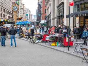 5th Avenue at the foot of the Flatiron Building, October 2018