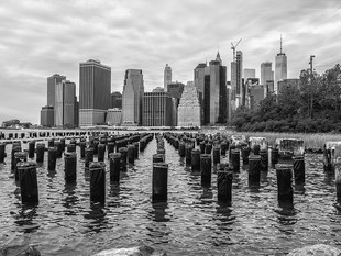 The old pier remains and Manhattan taken from Brooklyn Bridge Park, October 2018
