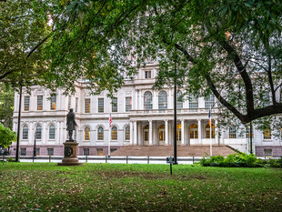 City Hall from City Hall Park, October 2018