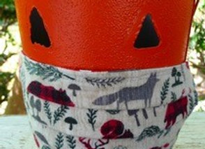 Mask-Woodland print flannel on the outside, polkadot cotton on the inside.