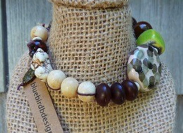"Beautiful ceramic beaded 8"" bracelet"