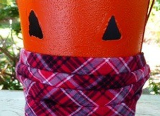 Mask-Flannel plaid cotton on the outside, cotton polkadots on the inside.