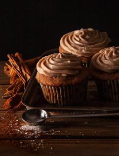 Churro cupcakes with Cinnamon-Creamchees