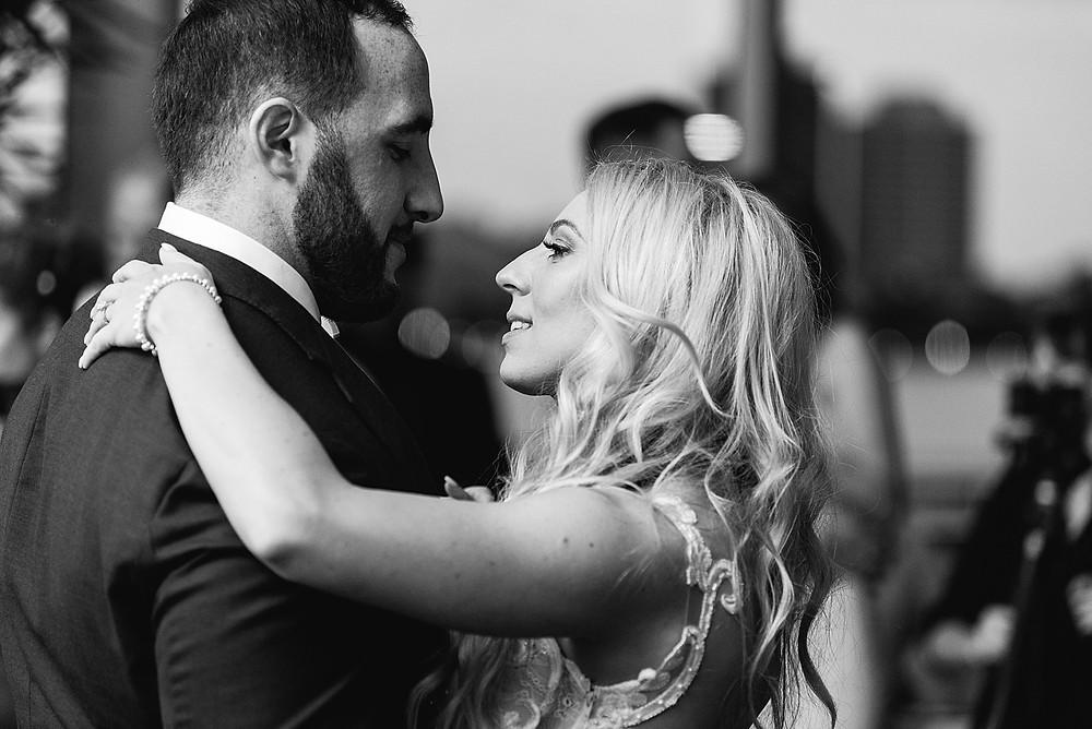 waterview-loft-detroit-wedding-first-dance