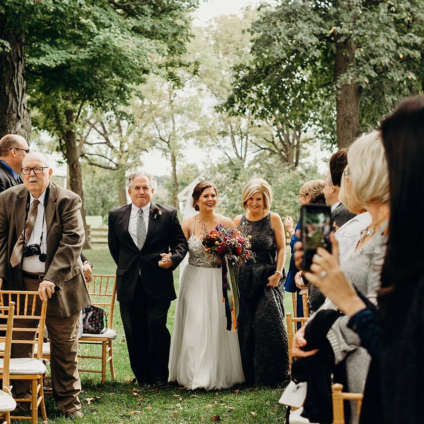 zingermans-cornman-farms-outdoor-wedding