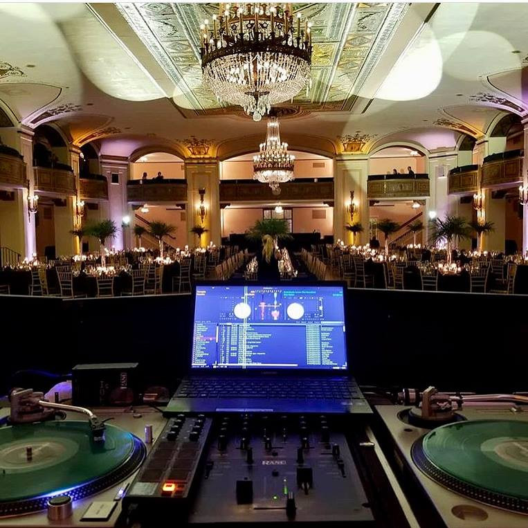 Rock-Out-Entertainment-Detroit-DJ