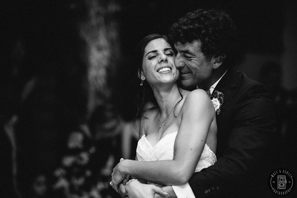 matt-and-ashley-photography-detroit-wedding-couple-photos