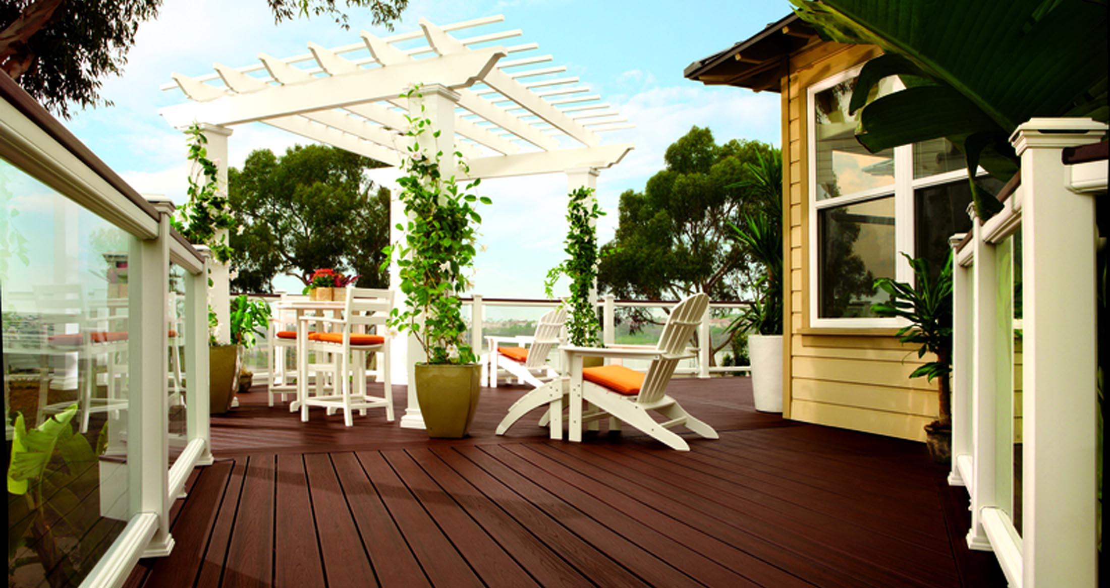 Two-tone deck, trellis & glass rails