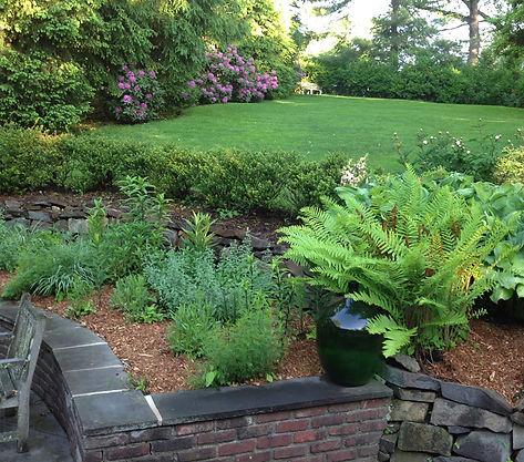 AV_garden1_850x750.jpg