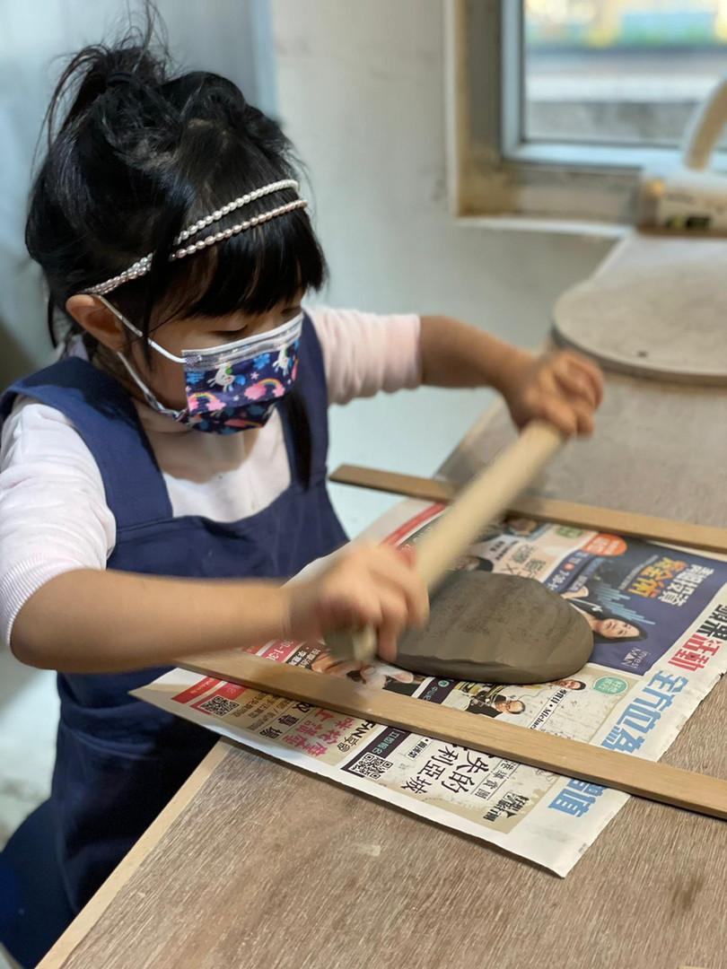 Kids Pottery Class(Level 1).jpg