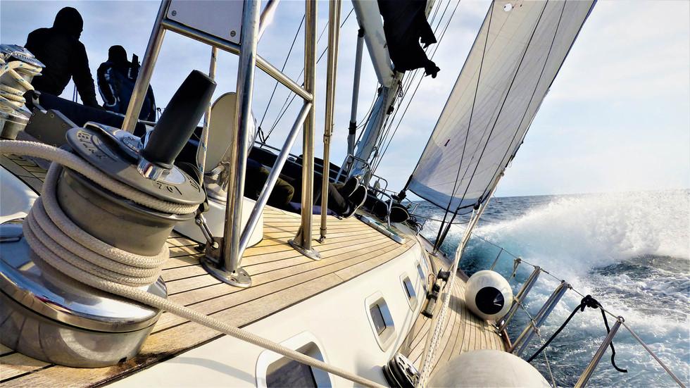 Bogey-1-Sailing-up-wind-Winter.jpg