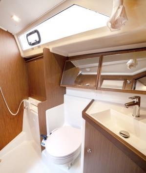 sail-orion-beneteau-oceanis-411-26.jpg