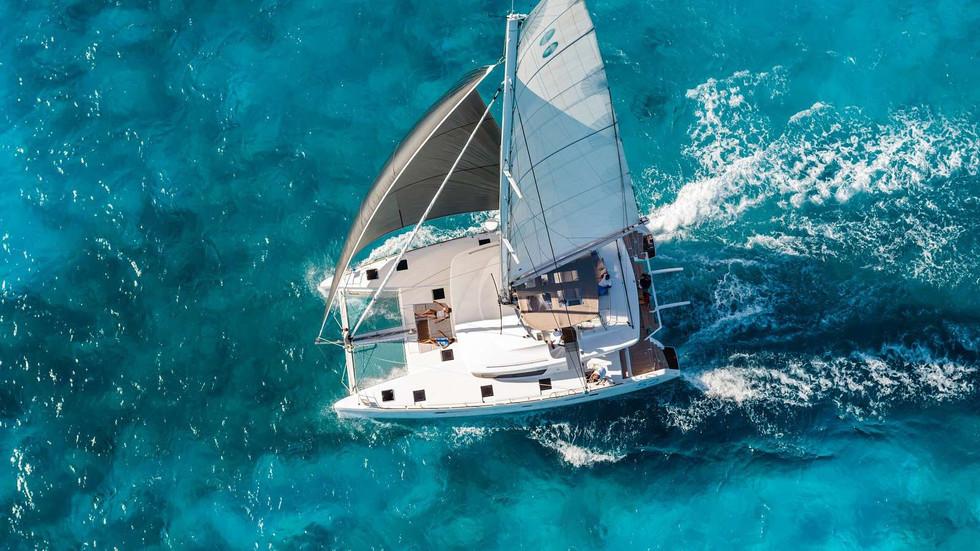 Charter_a_yacht_sailing_Halkidiki_Suncruise.jpg