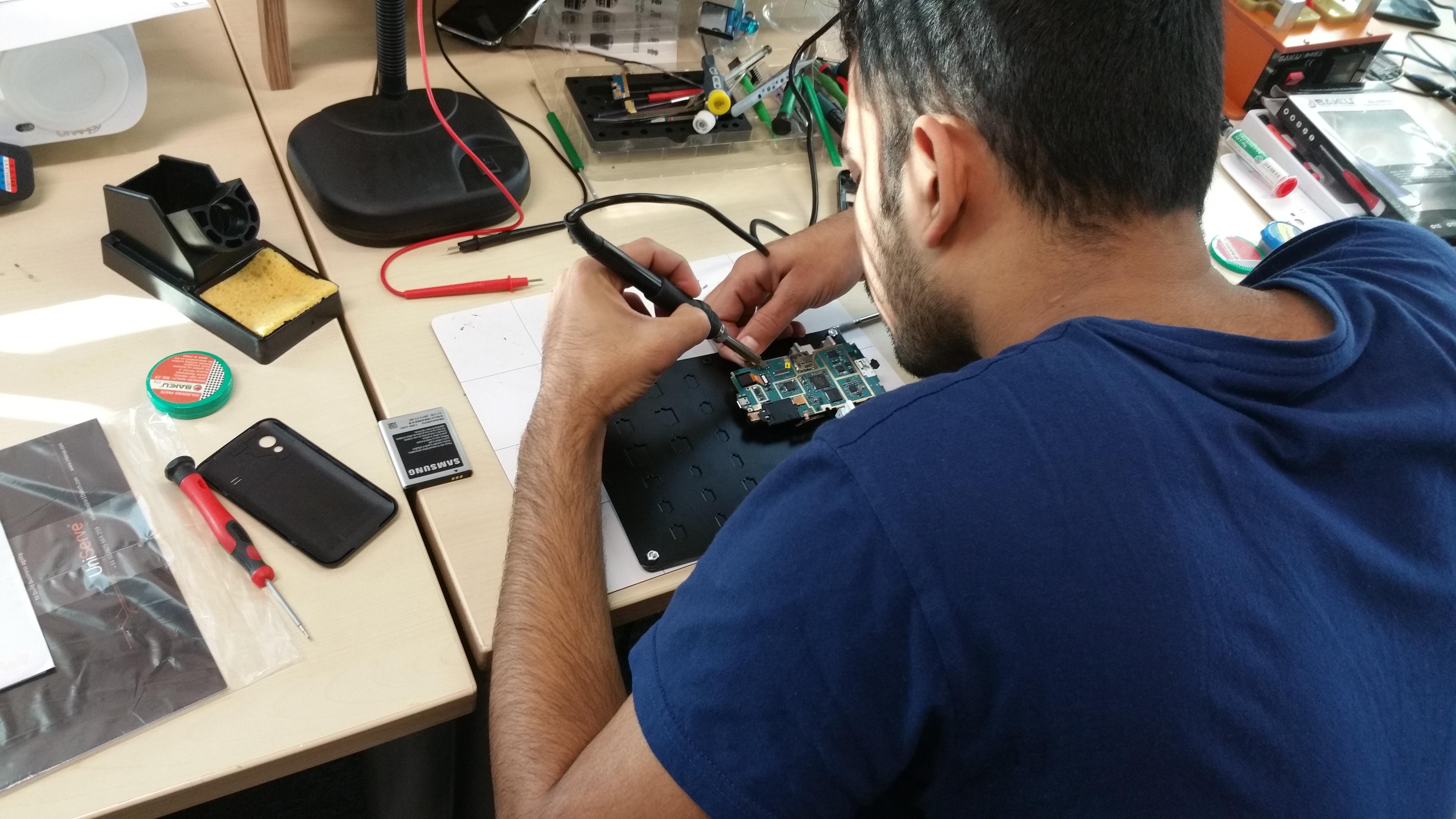 Mobile phone repair course