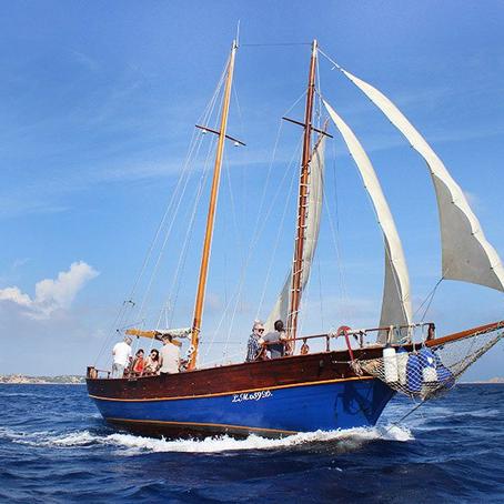 Maddalena & Caprera Tour in Vintage Sailboat