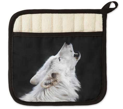 Howling Wolf Pot Holder