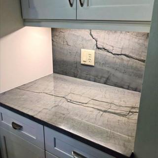 kitchen%20counter_edited.jpg