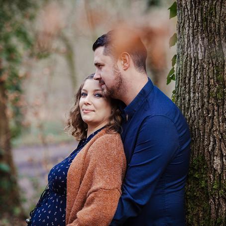 Rencontre avec Charlotte & Vincent pour une séance grossesse en plein coeur de notre forêt isarienne