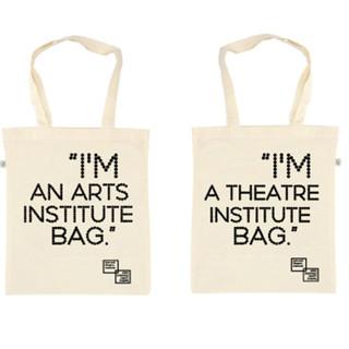 Plátěné tašky pro Institut umění
