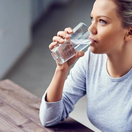 Calcula cuánta agua debes tomar según tu peso