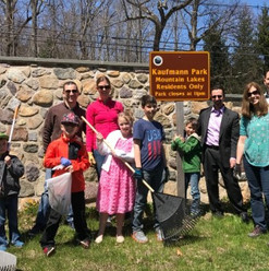 earth day clean up 3.jpg
