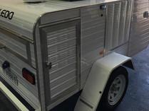Dog trailer air conditioner