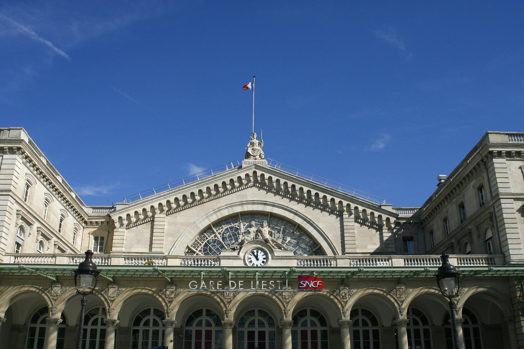 TAXI POISSY - Gares Parisiennes
