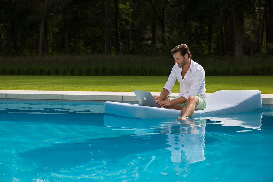 piscine,relax, transat flottant, matelas confort, Mr Blue PC