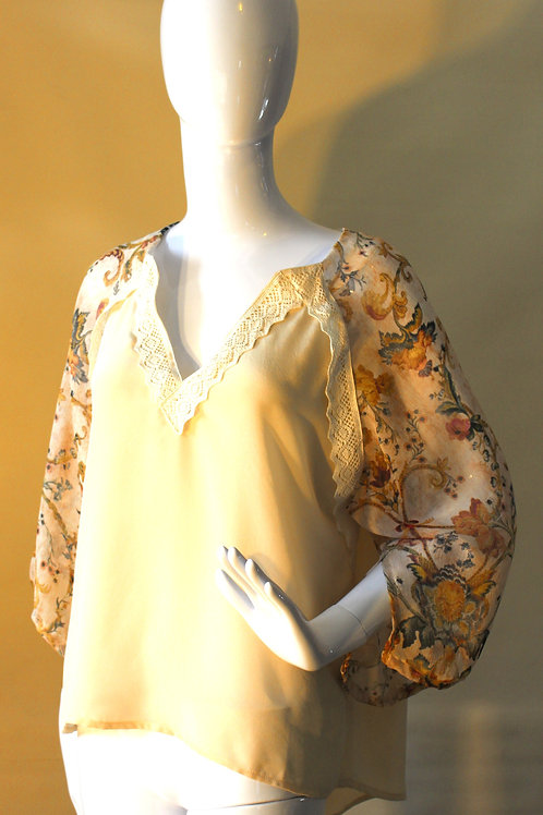 # 308 - Kimono Top with chiffon sleeves - M