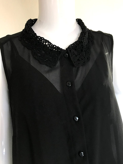 Black chiffon sleeveless shirt with lace collar - Medium