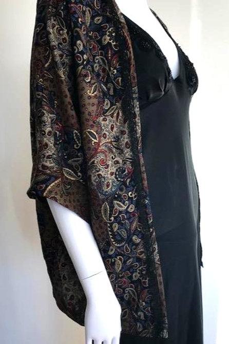 Kimono # 131 - Black Paisley - Medium