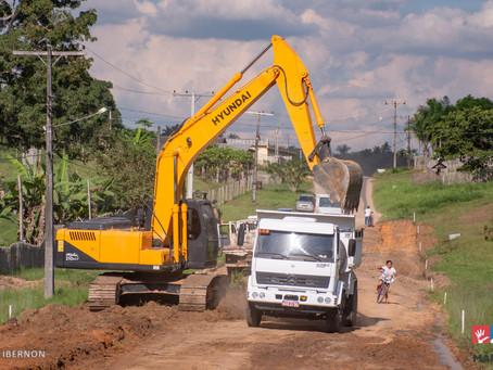 Prefeitura de Mâncio Lima inicia pavimentação asfáltica de trecho da Rua José de Abreu