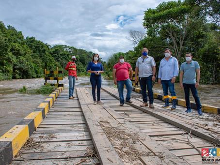 Prefeitura de Mâncio Lima presta assistência aos moradores atingidos por cheia de igarapés