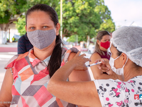 Vacinação contra Covid acelera em Mâncio Lima e chega para as pessoas de 35 anos sem comorbidades