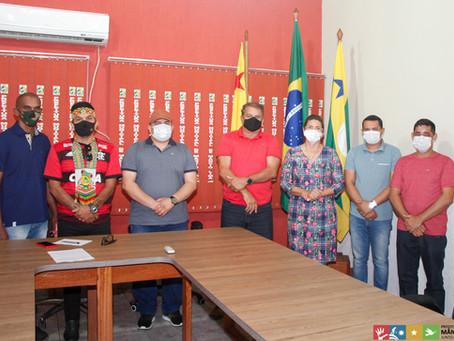 Prefeito Isaac Lima se reúne com vereadores da base de apoio na Câmara