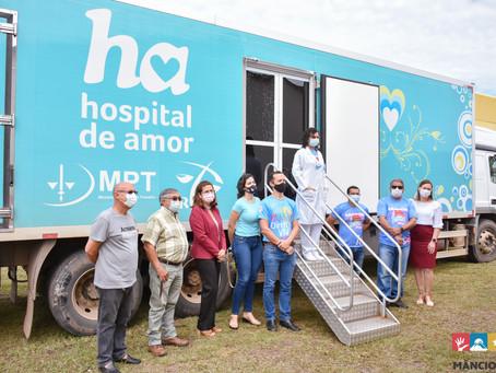 Município de Mâncio Lima recebe carreta do Hospital de Amor de Barretos